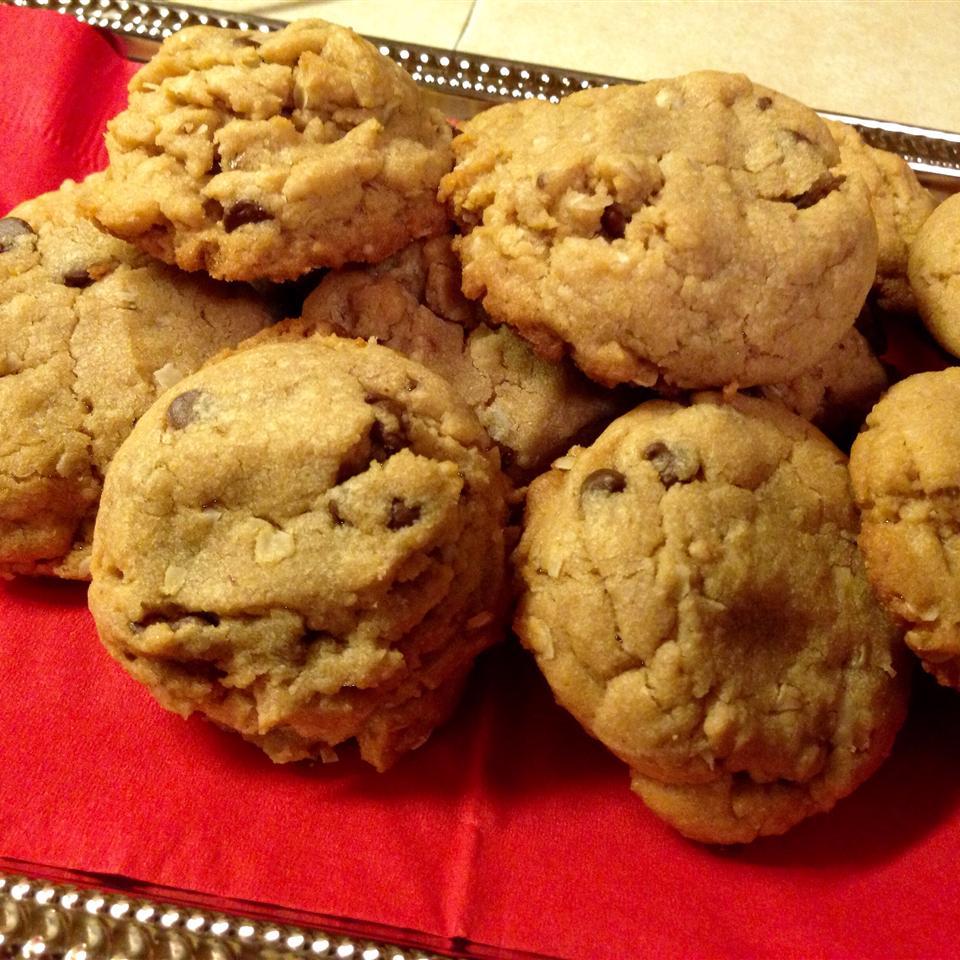 Peanut Butter Oatmeal Cookies from Mazola® KZrod
