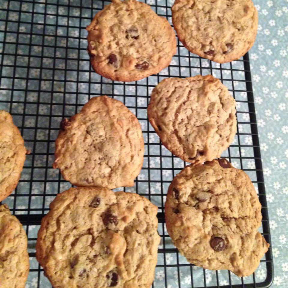 Protein Peanut Butter Chocolate Chip Cookies lydia