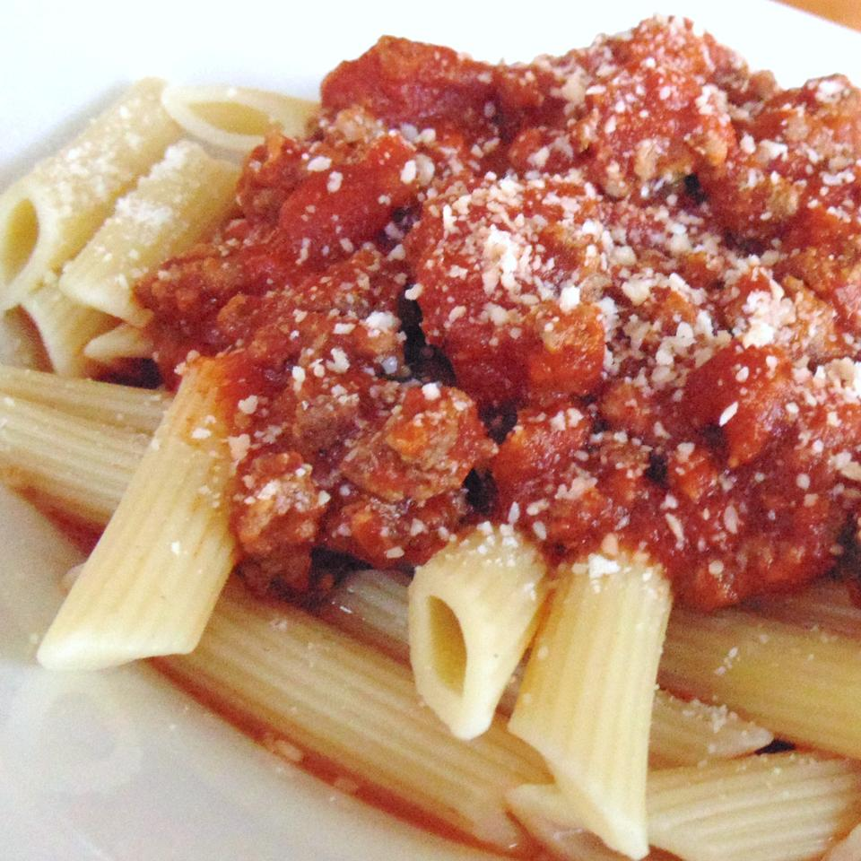 Tami's Red Sauce: Bolognese Tomato Sauce with Ground Beef Christina