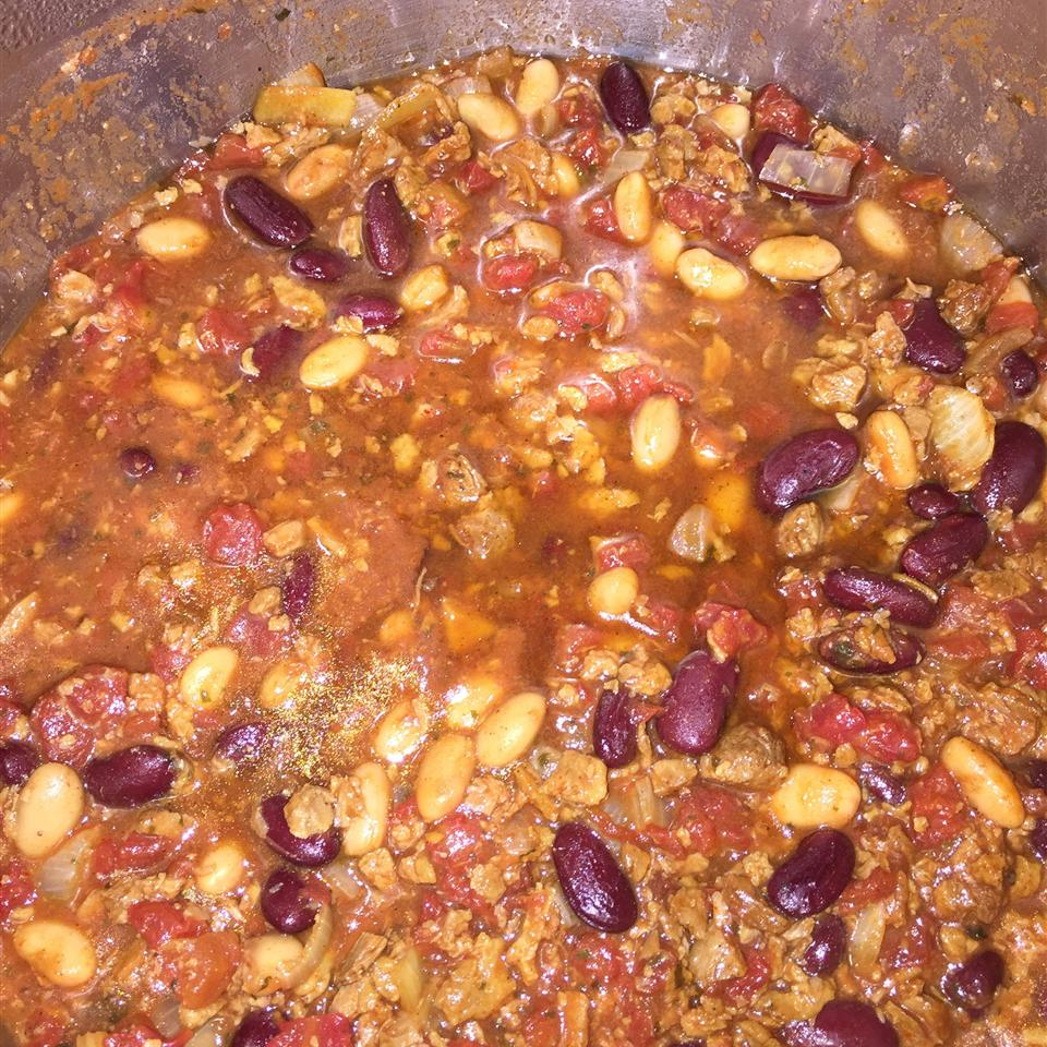 Unbelievably Easy and Delicious Vegetarian Chili