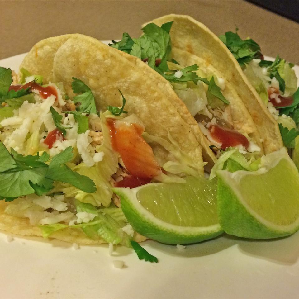 Slow Cooker Chicken Tinga Tacos JARRIE