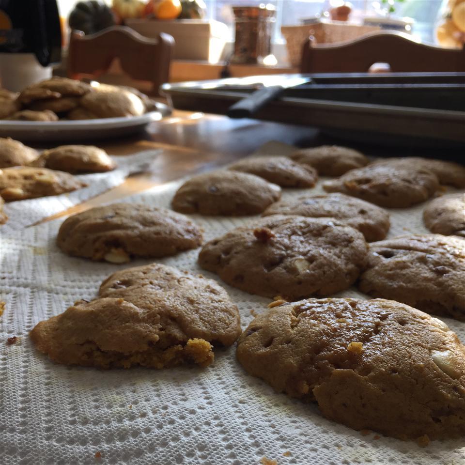 White Chocolate Pumpkin Cookies hayitzhayden