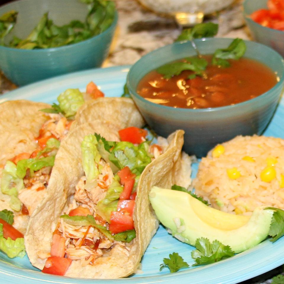 Slow Cooker Chicken Tinga Tacos Jennifer Aleman