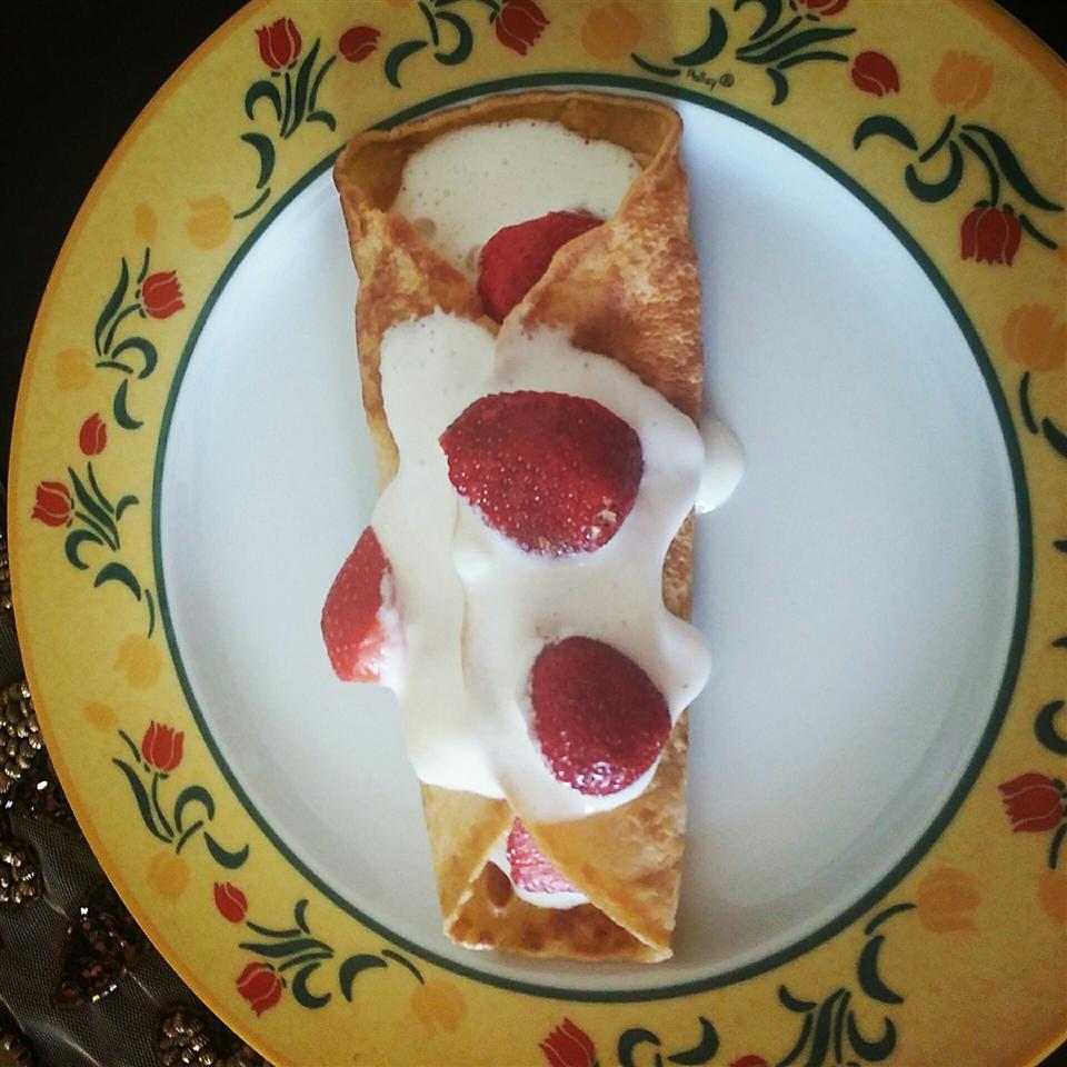 Creamy Strawberry Crepes