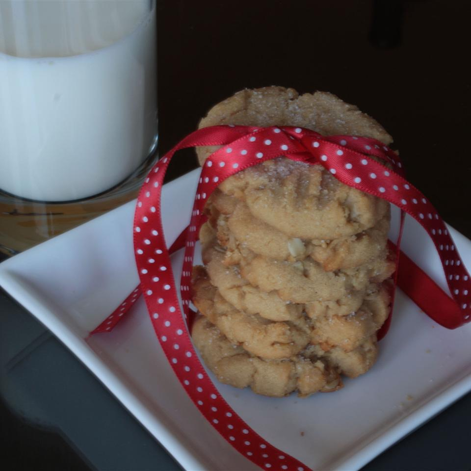 Peanut Butter Oatmeal Cookies from Mazola®