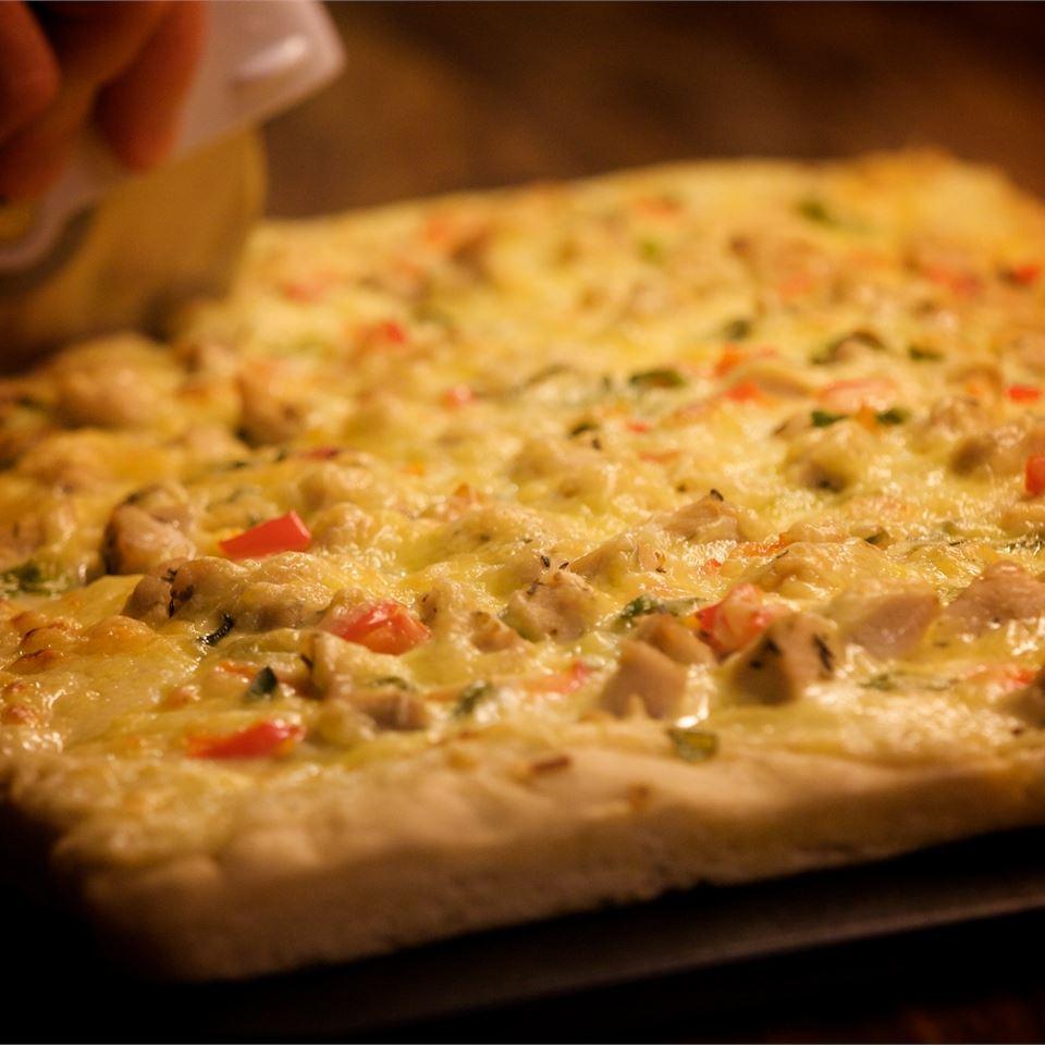 Chicken Alfredo Pizza