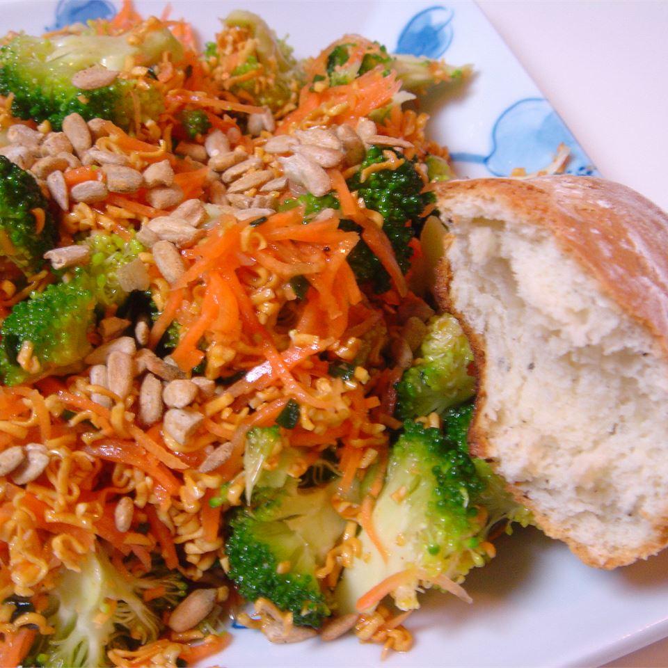 Broccoli Coleslaw LynnInHK