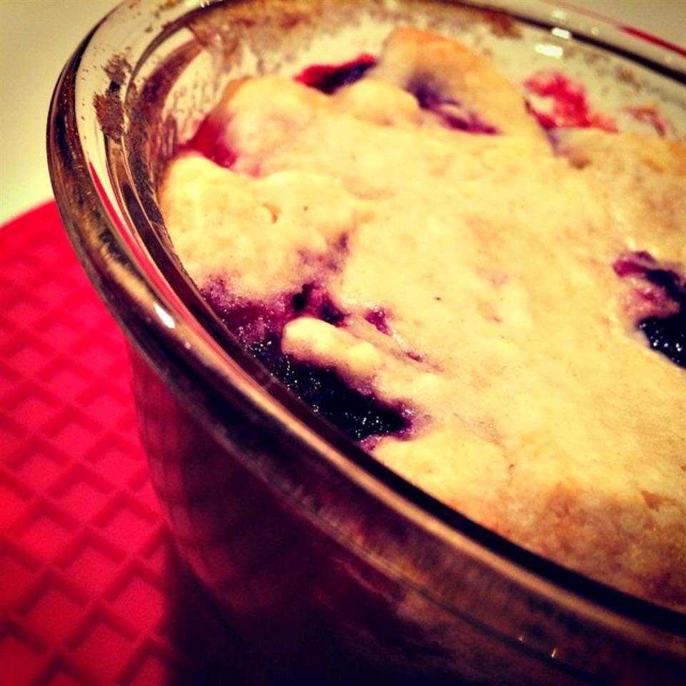 Fruit Cobbler from Mott's® lovestohost