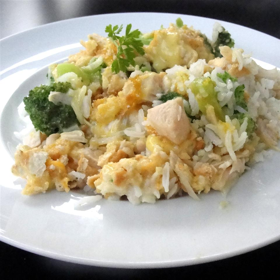 Chicken and rice are so very nice. And this chicken, rice, and broccoli casserole is ready in only 35 minutes when you start with cooked ingredients.
