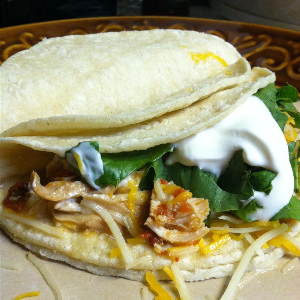 Slow Cooker Chicken Tinga Tacos Keri
