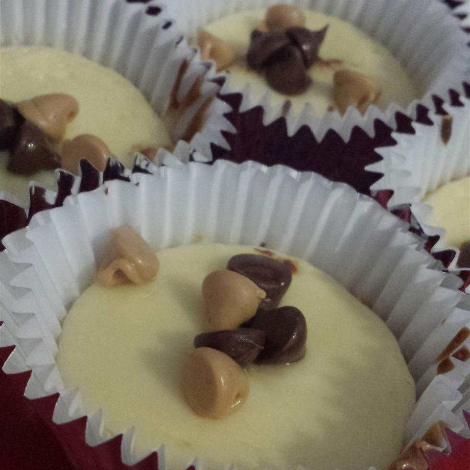 Mini Cheesecakes with Caramel Filled DelightFulls™ & Sea Salt Sol Yun