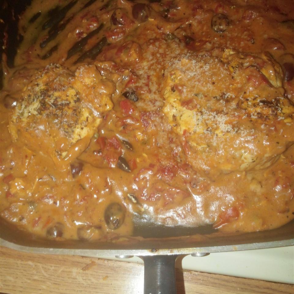 Chicken in Creamy Sun-Dried Tomato Sauce Fayjon Renier-Johnson