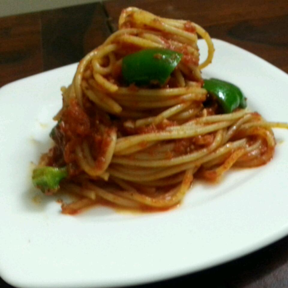 Easy Spaghetti with Tomato Sauce Marc