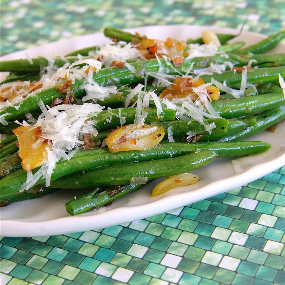 Garlicky Green Beans with Shallot