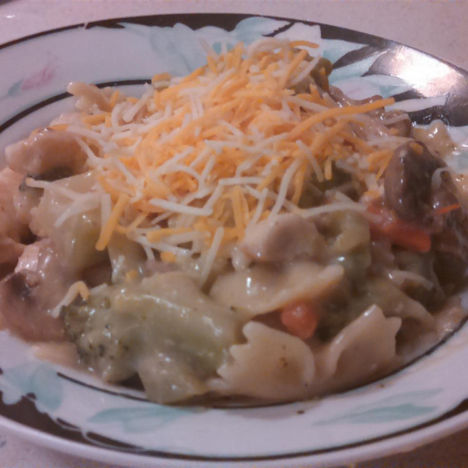 Lemon Pepper Pasta with Chicken and Vegetables Gina