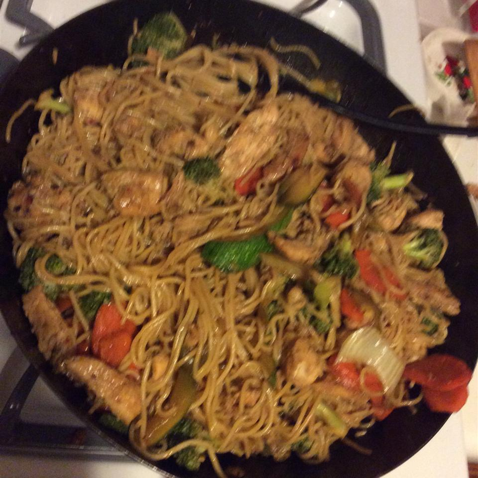Spicy Thai Steak and Vegetable Stir Fry Diverse Cookers :-)