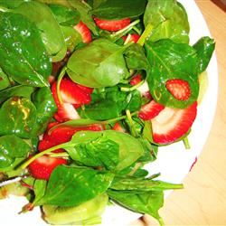 Strawberry, Kiwi, and Spinach Salad raychel