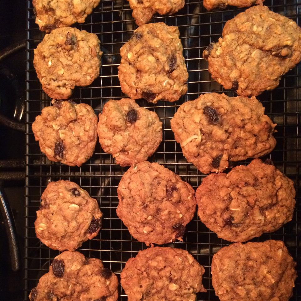 Chinese Five-Spice Oatmeal Raisin Cookies r_grant1971