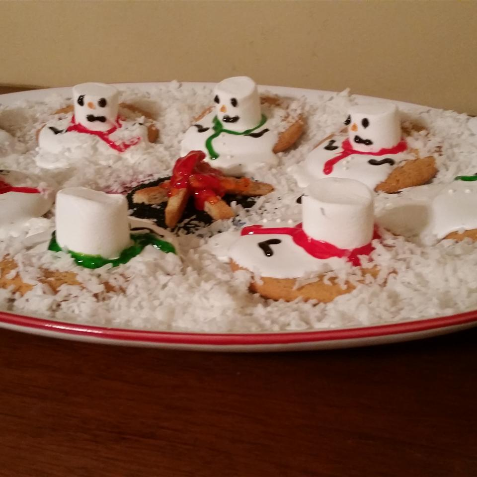 Melted Snowman Cookies skinnercrowell