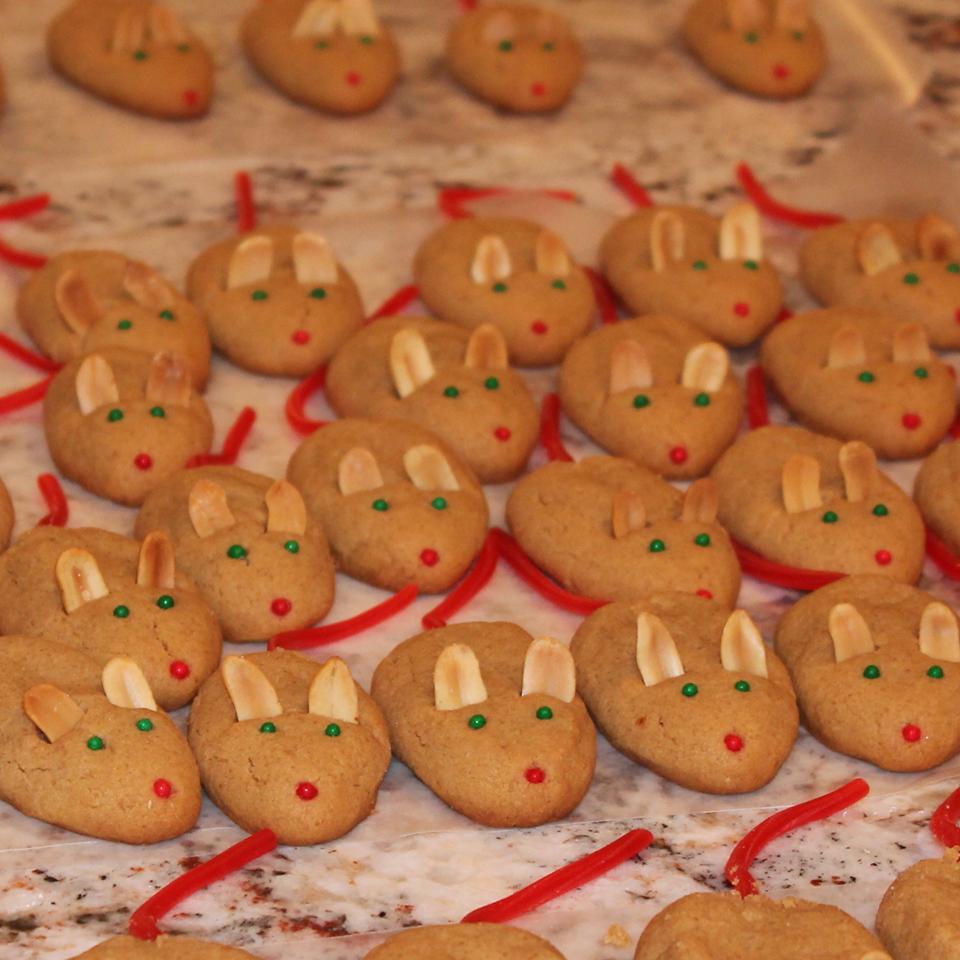 Peanut Butter Christmas Mice
