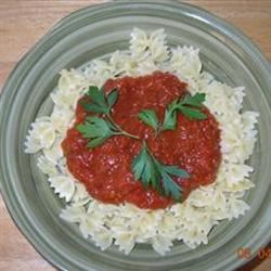 Bow-Tie Pasta With Red Pepper Sauce sttigger