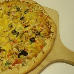 Garlic Lover's Pizza Crust for the Bread Machine