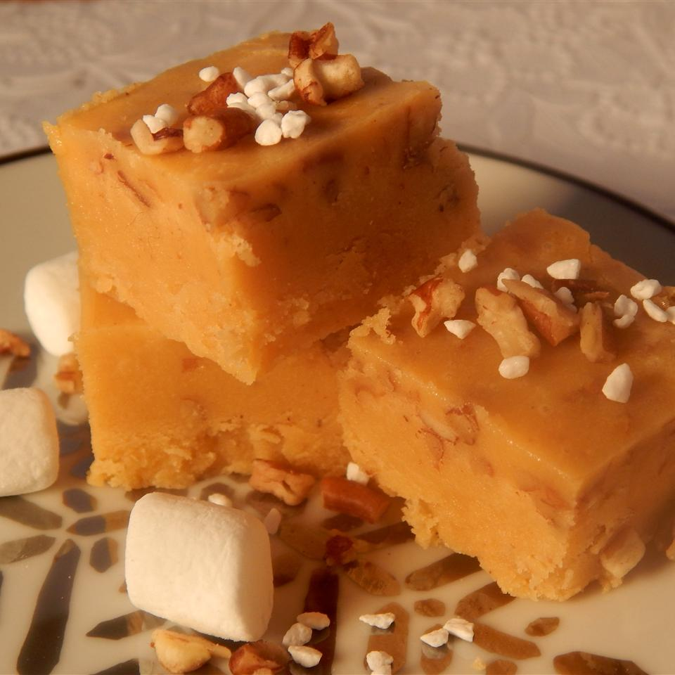 Creamy and Tasty Eggnog Fudge