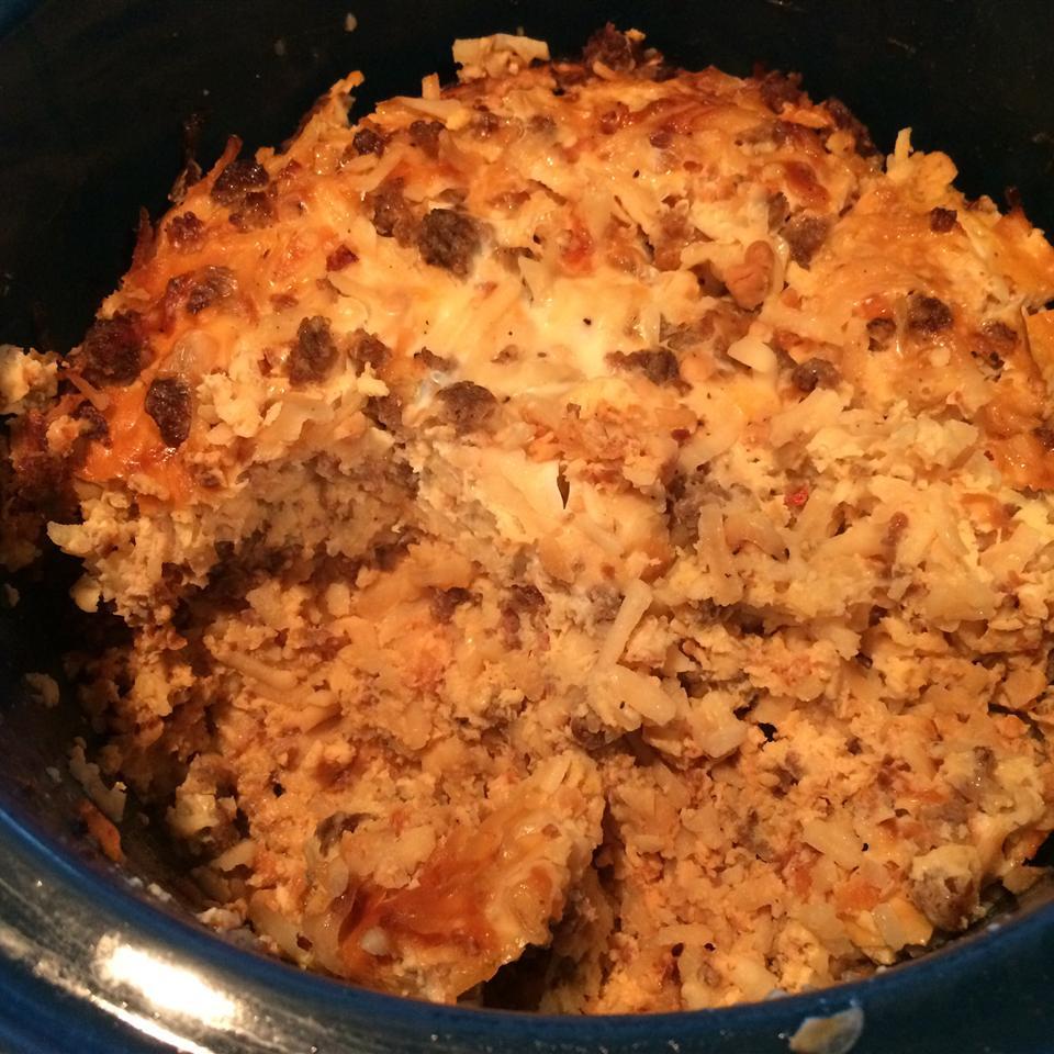 Slow Cooker Breakfast Casserole busymama