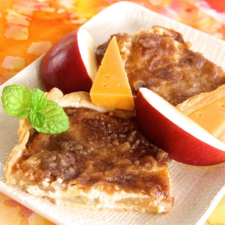 Apple-Cheese Tart