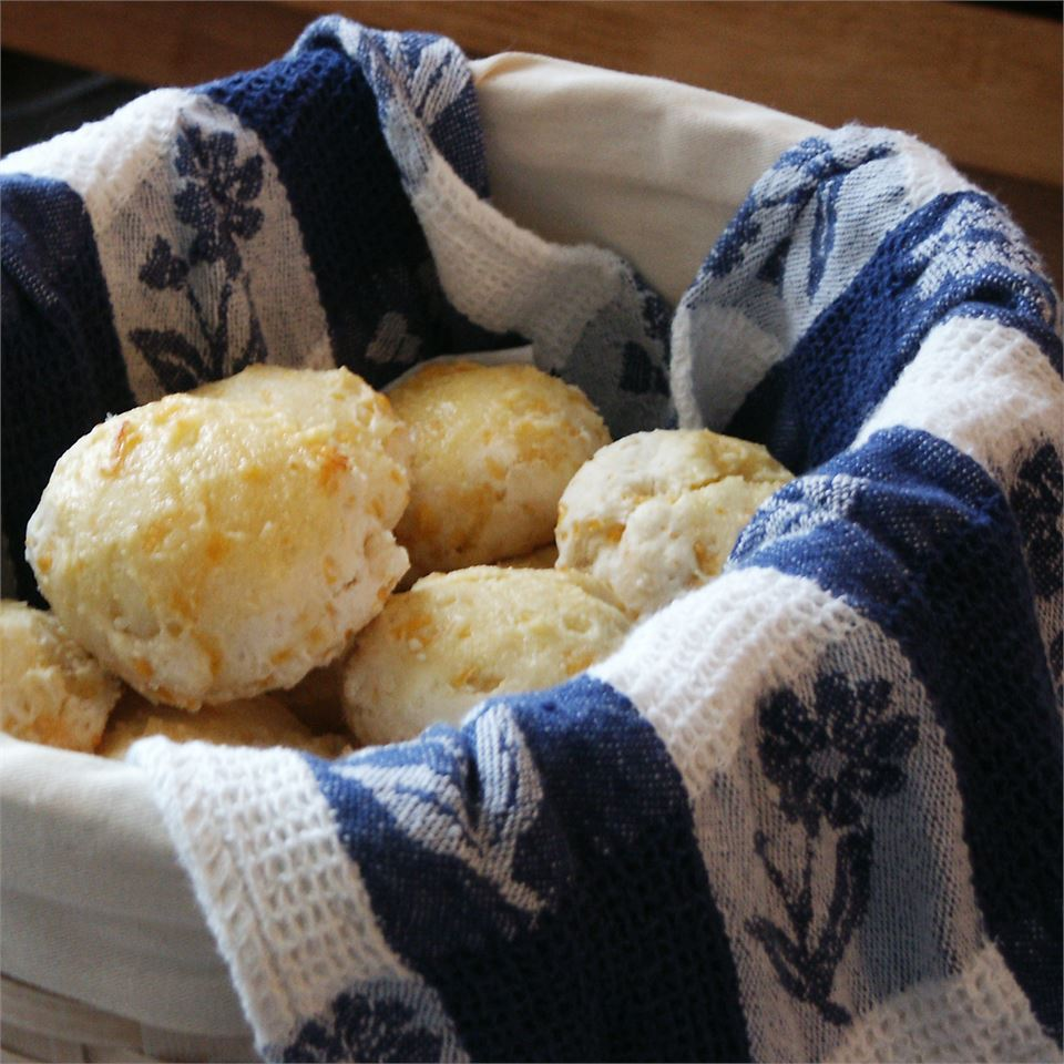 Cheddar Bay Biscuits magicallydelicious