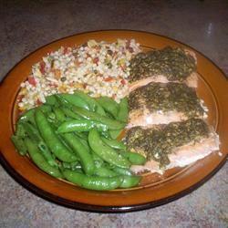 Stephan's Broiled Salmon Pesto