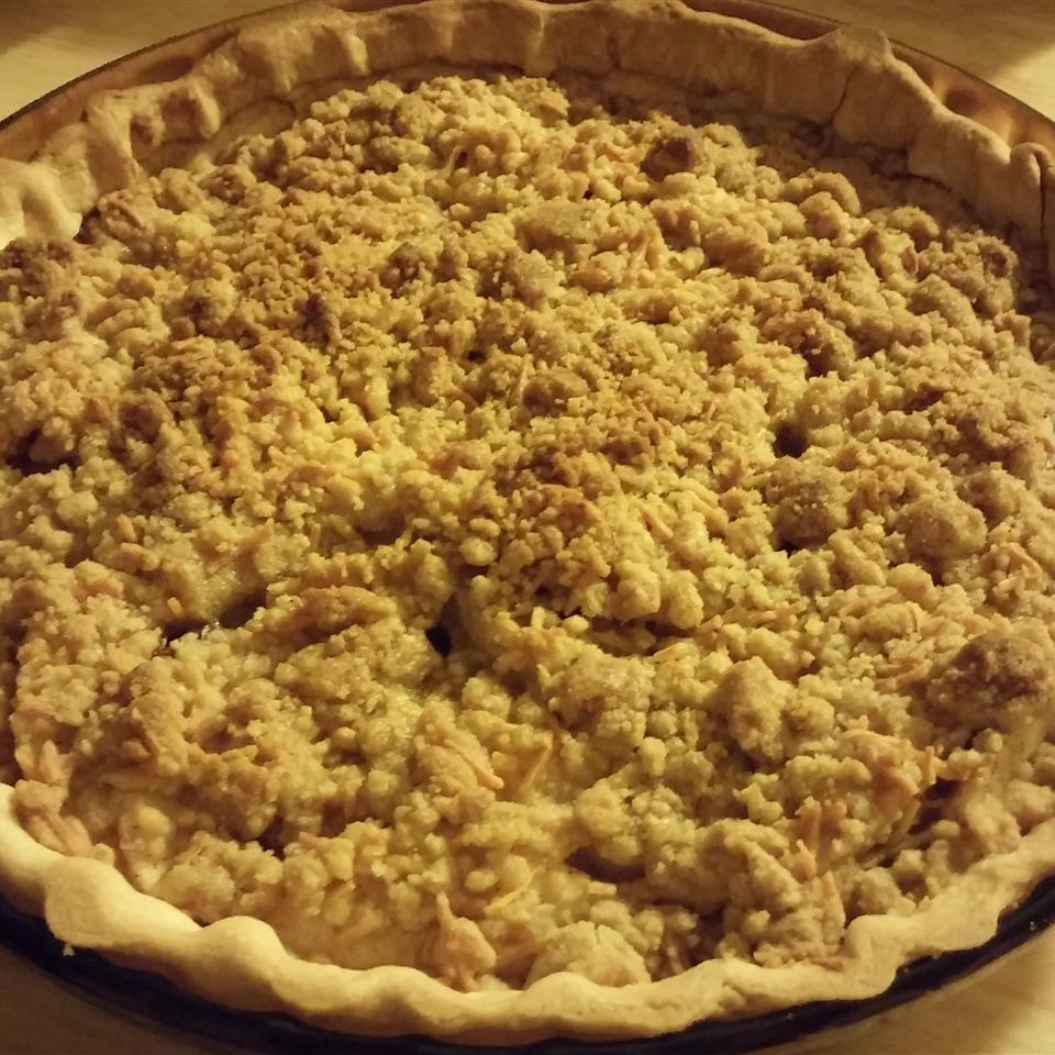 Cheddar Pear Pie