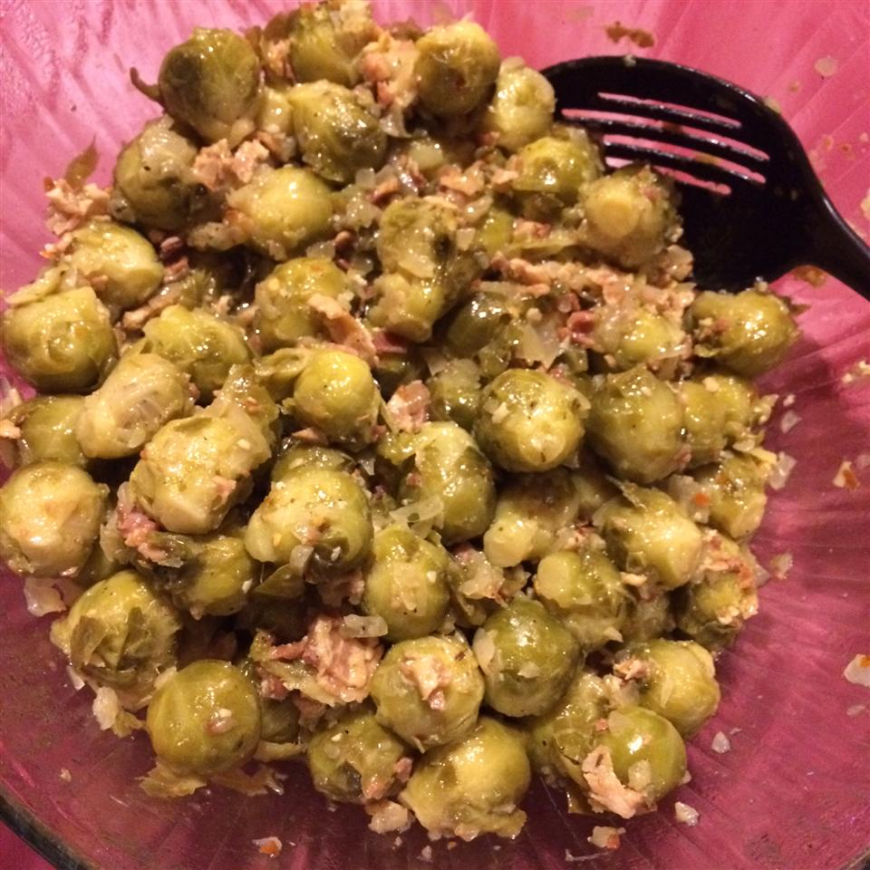 Braised Brussels Sprouts with Bacon tubachick26