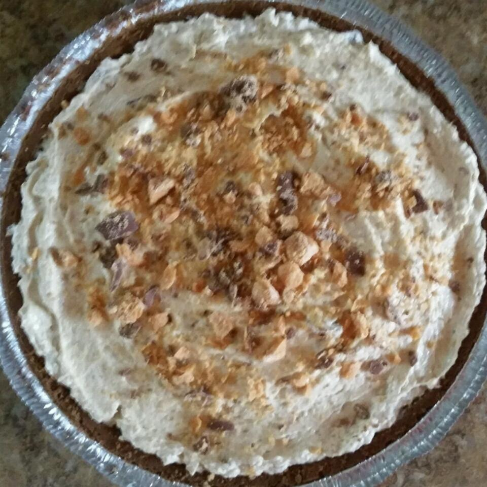Peanut-Butterfinger Cream Pie Michelle Howard