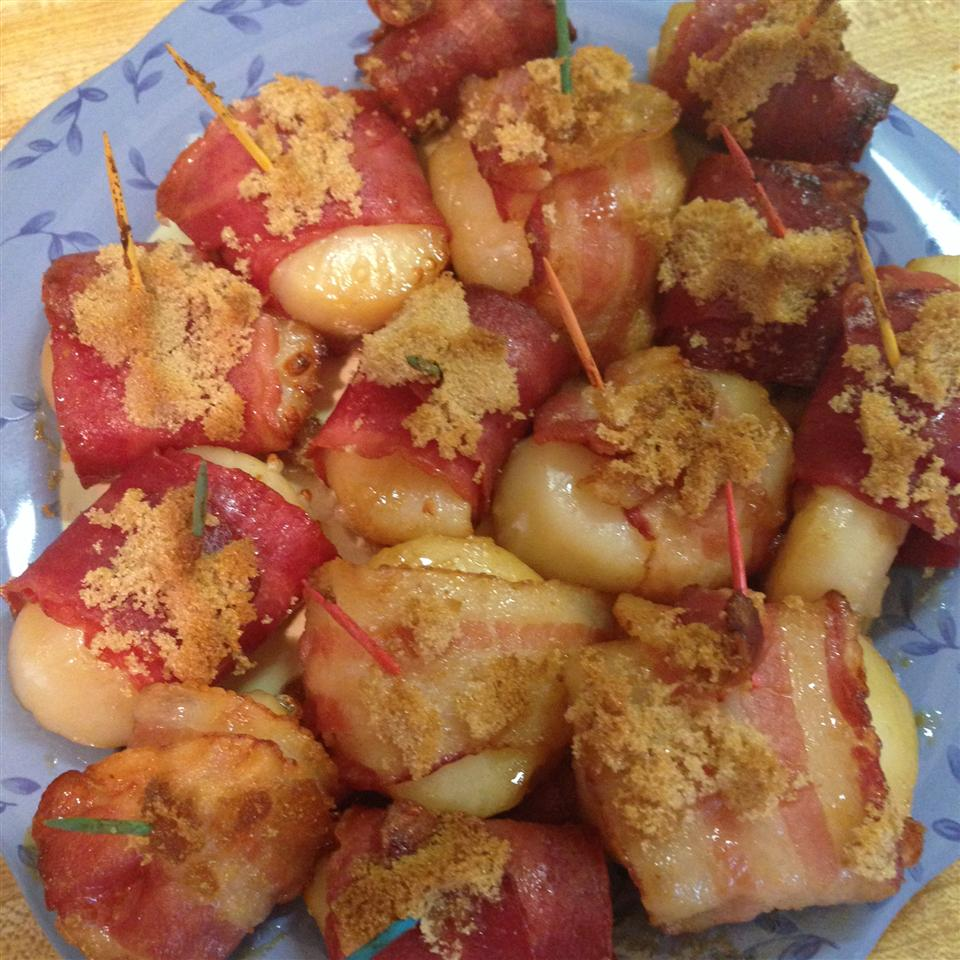 Marinated Scallops Wrapped in Bacon