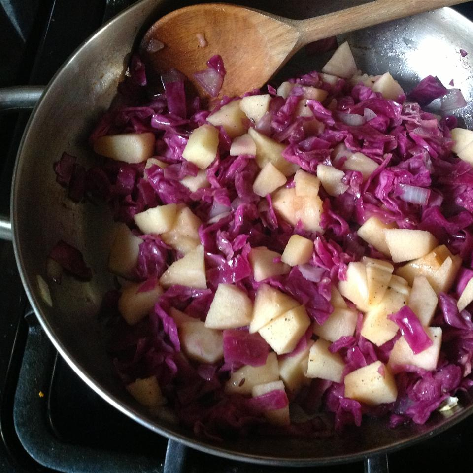 Red Cabbage and Apples