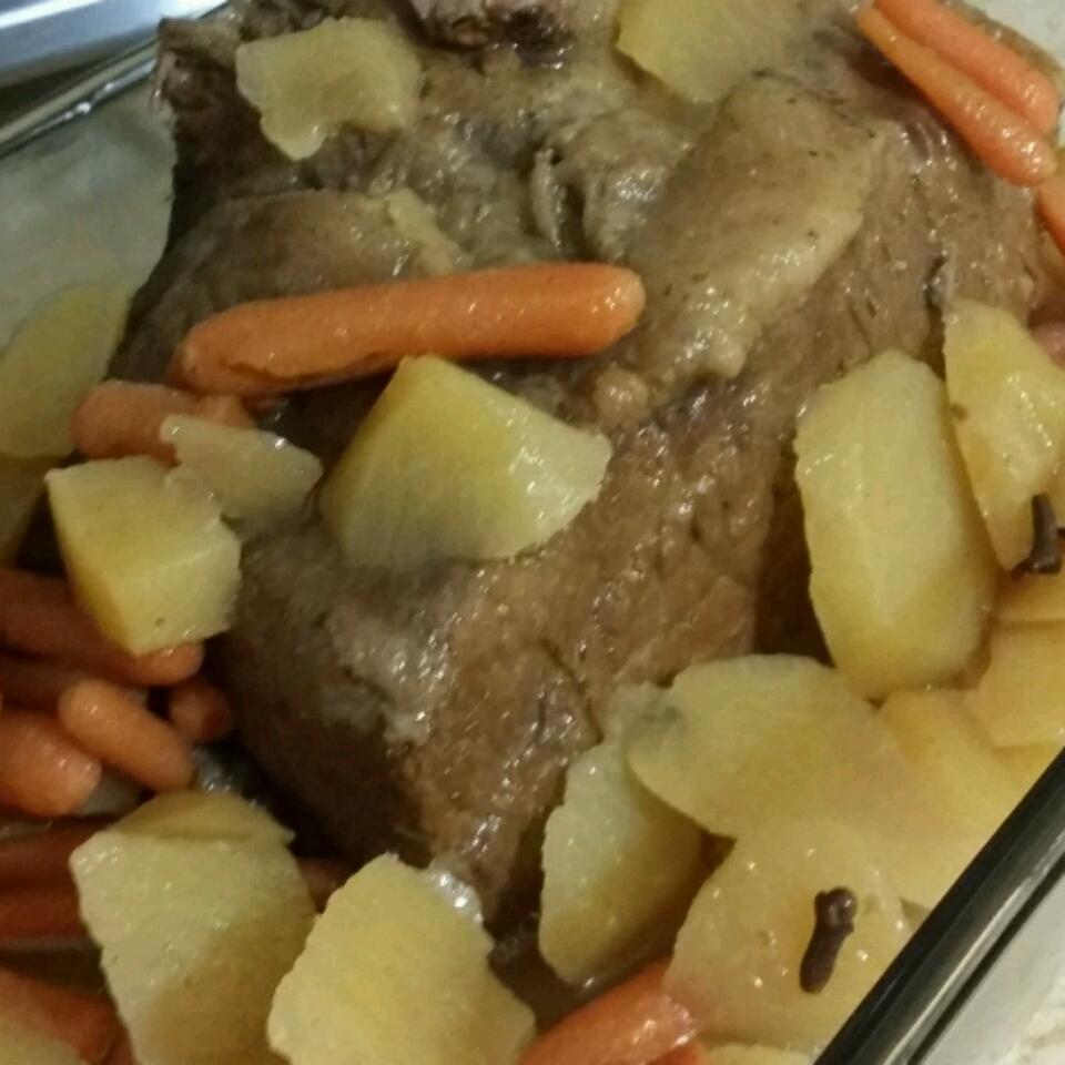 Slow Cooker Apple Cider Pot Roast letif_b