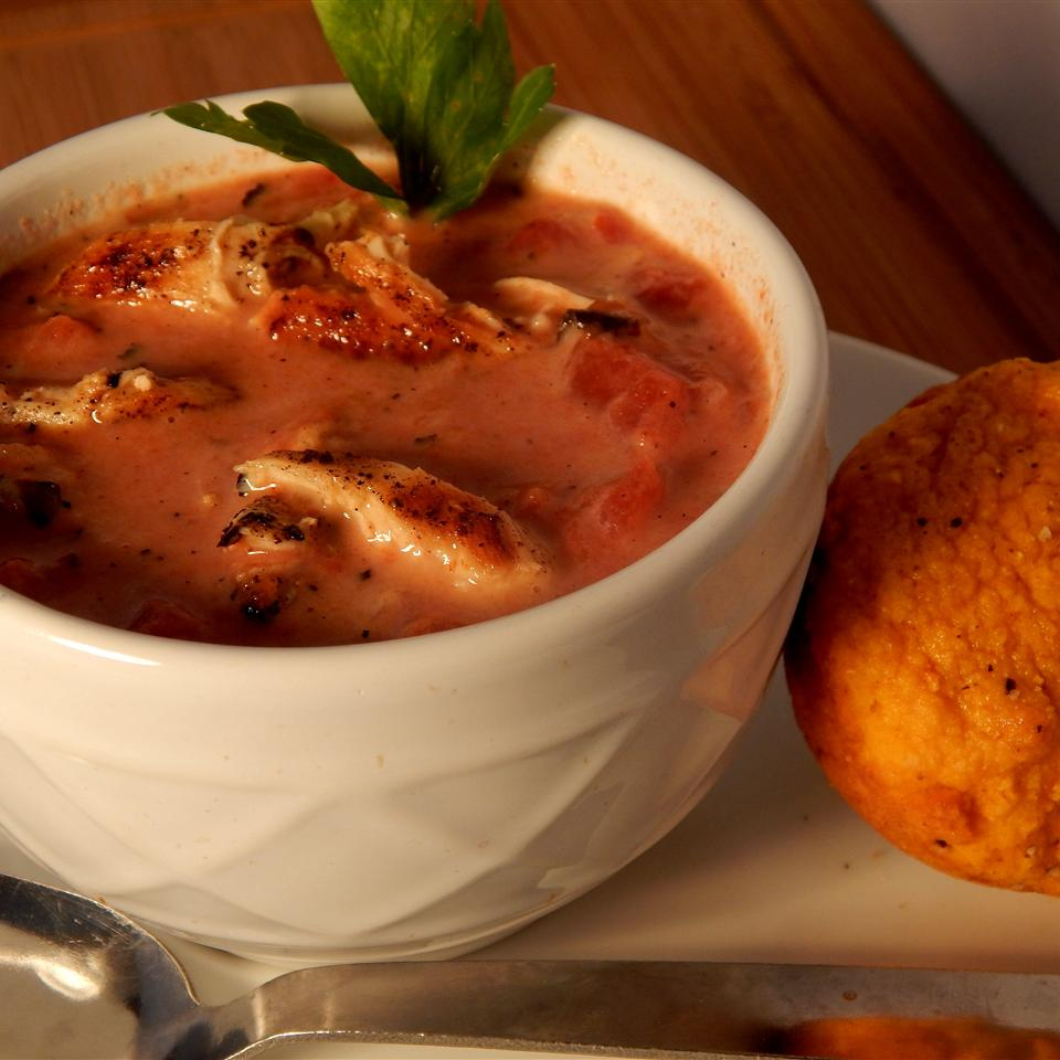 Low-Fat Fire-Roasted Tomato and Chicken Soup
