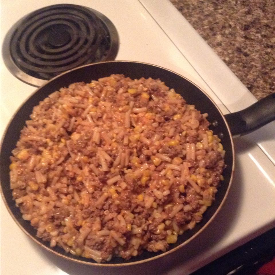 Homestyle Beef, Macaroni and Cheese Sara