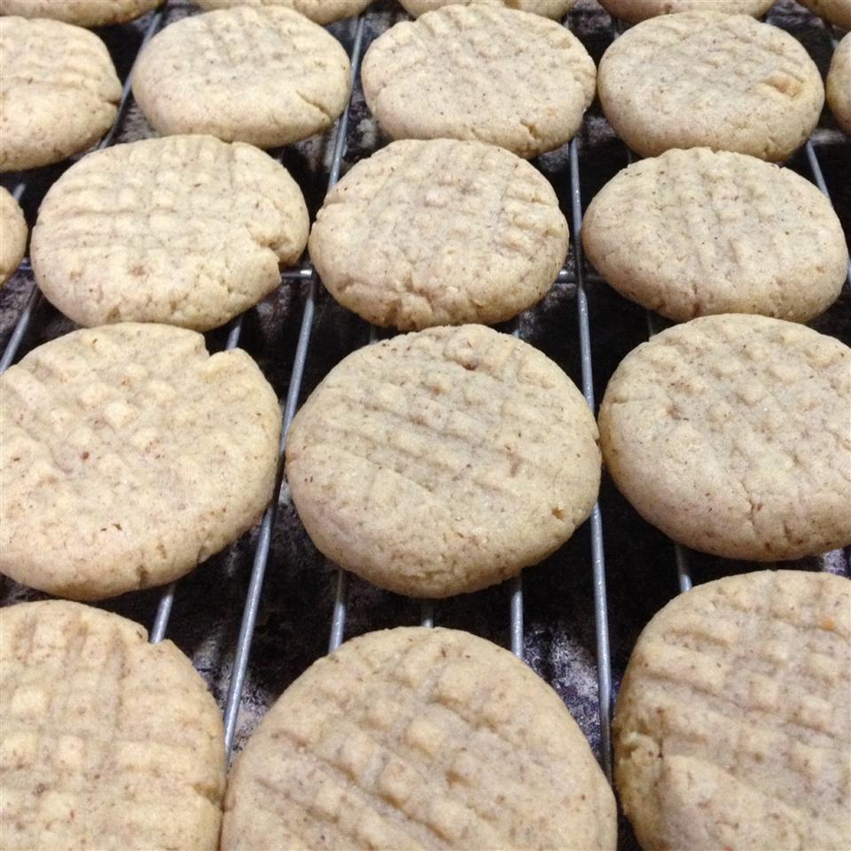 Joey's Peanut Butter Cookies amj1485