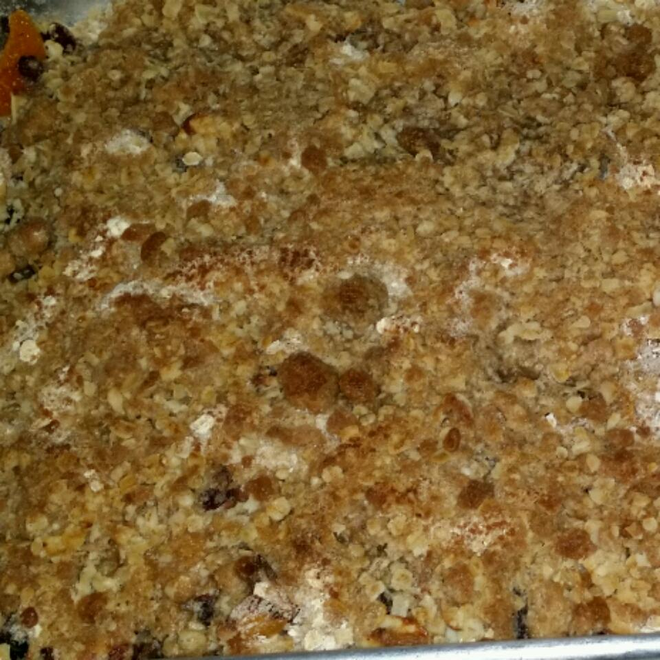 Apricot-Cherry Bars With Oatmeal Crumble Topping