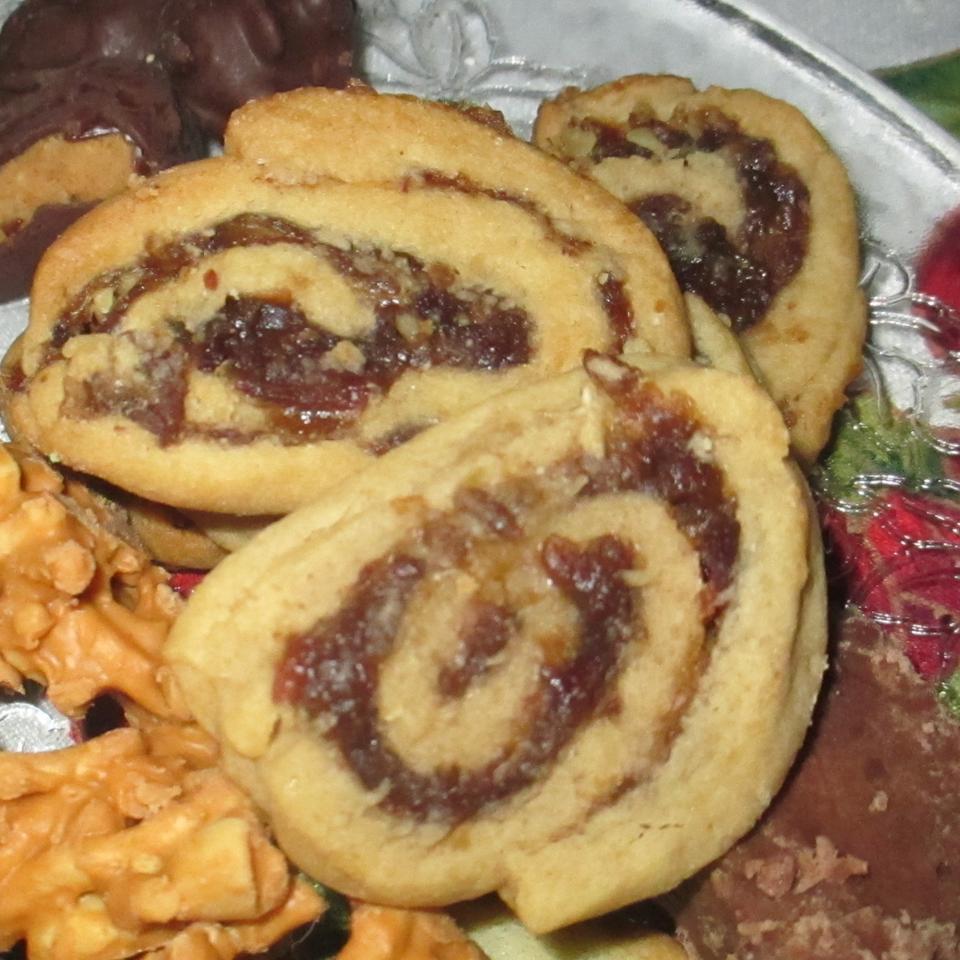Date Nut Pinwheel Cookies I Karl Weinsteiger