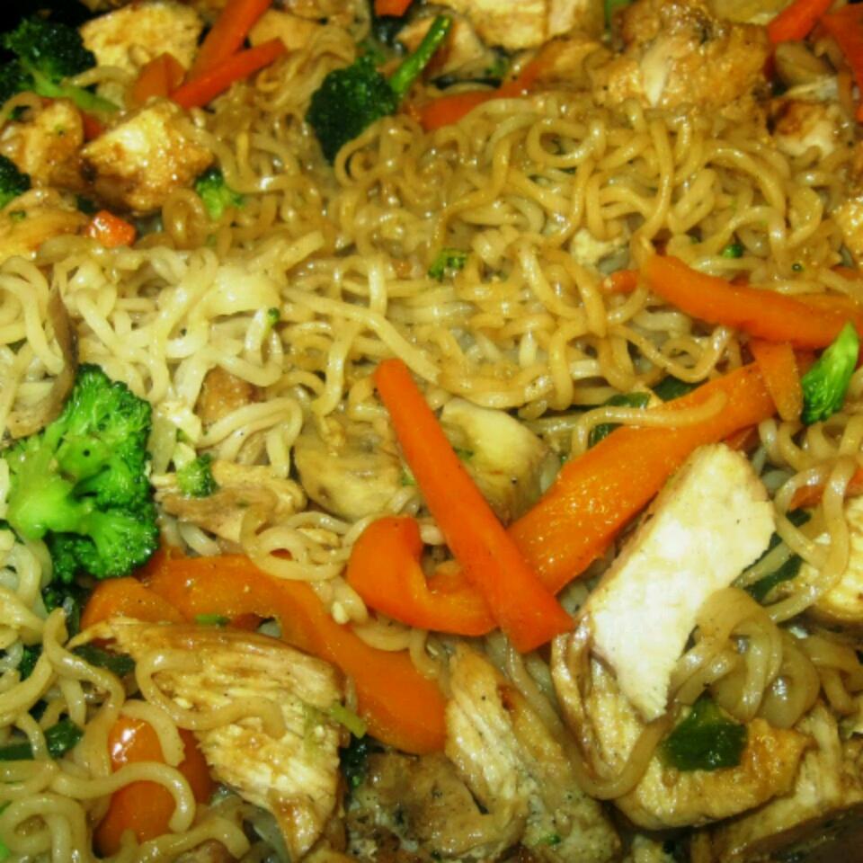 Ramen Noodle Stir-Fry with Chicken and Vegetables Kristin Sandoval