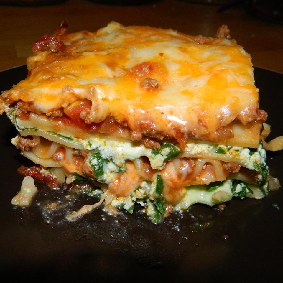 Kale Lasagna with Meat Sauce pdkcrafts.blogspot.ca