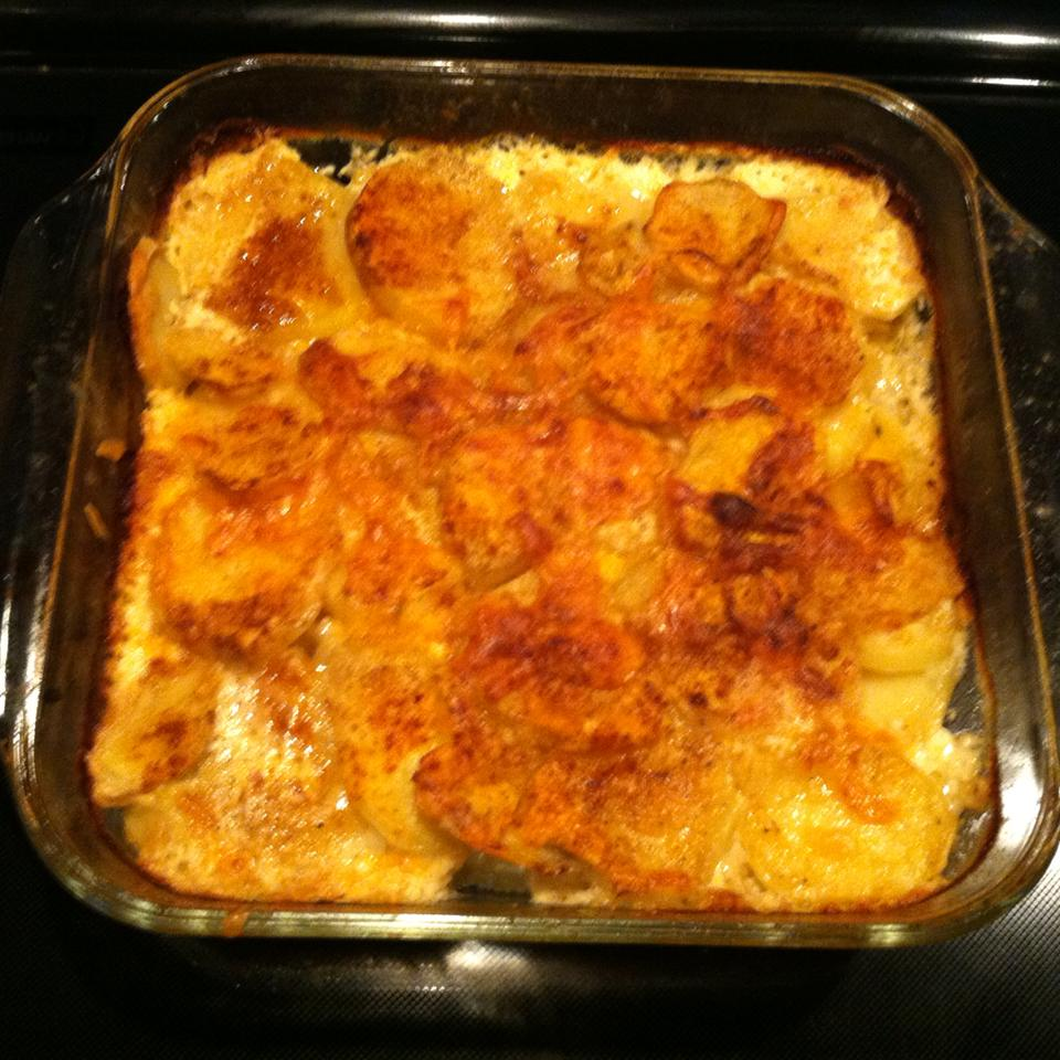 Creamy and Crispy Scalloped Potatoes
