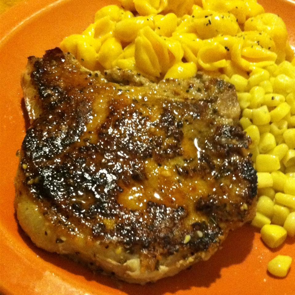 Onion Pan-Fried Pork Chops 1Fatchef