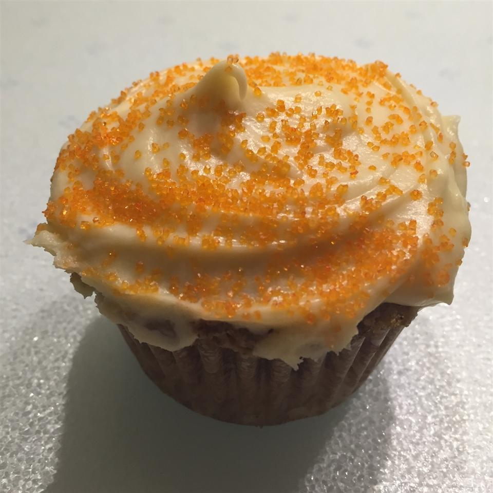 Carrot Cake Cupcakes with Cream Cheese Icing lilly
