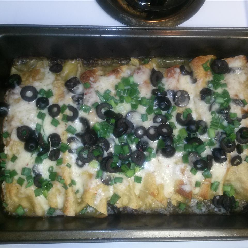 Green Chicken Enchilada queen b