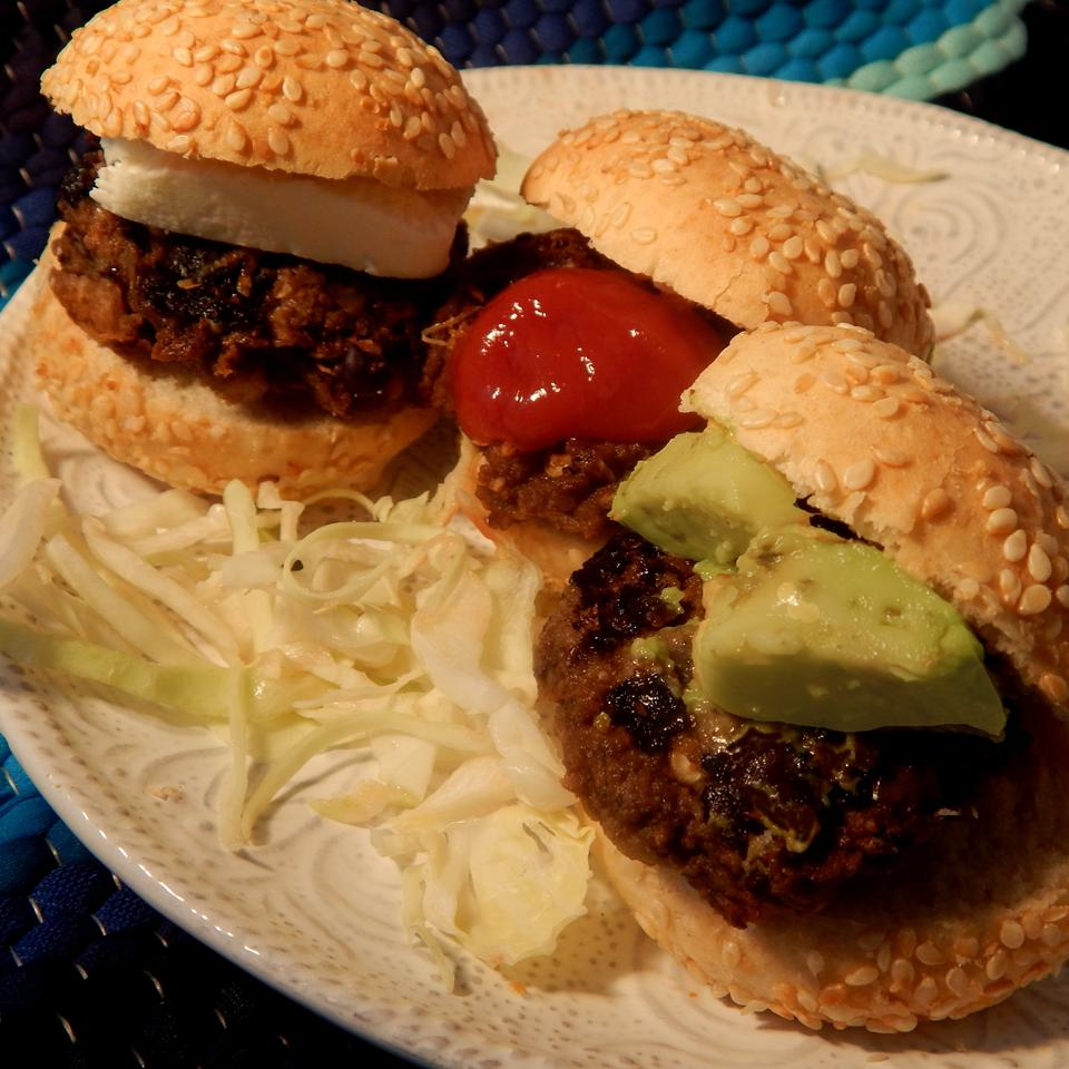 Black Bean and Potato Veggie Burgers Linda T