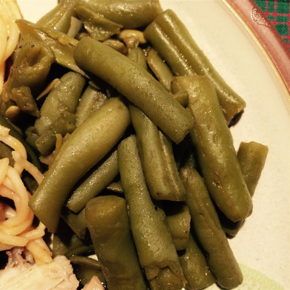 Mom's Great Green Beans saradianeb